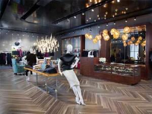 Tầm quan trọng của việc thiết kế nội thất showroom thu hút khách.
