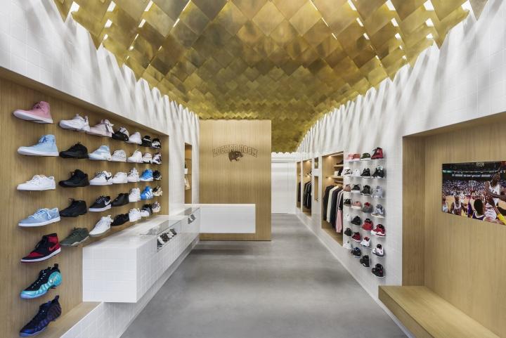 Tìm hiểu nhu cầu thiết kế showroom trẻ trung