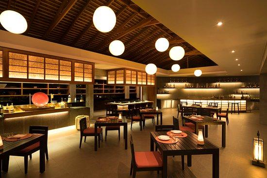 Lựa chọn công ty trang trí nội thất nhà hàng ăn uống giá rẻ