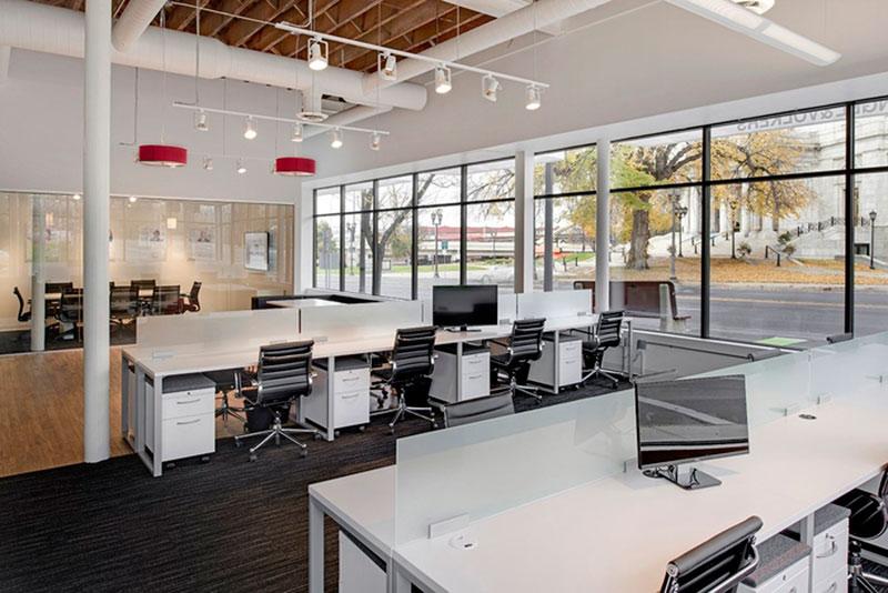 mẫu thiết kế văn phòng công ty BĐS12
