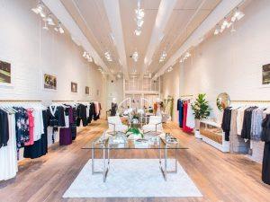 8+ cách trang trí shop quần áo đơn giản đẹp